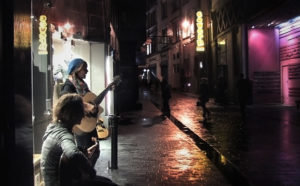 MonaLisa Twins Busking In Front Of Cavern Club Liverpool