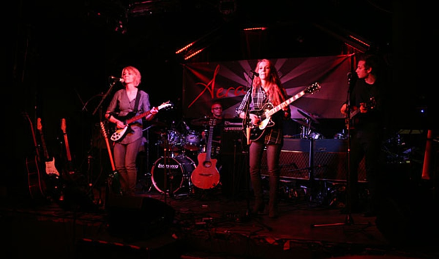 MonaLisa Twins' first live show with new band at Aera