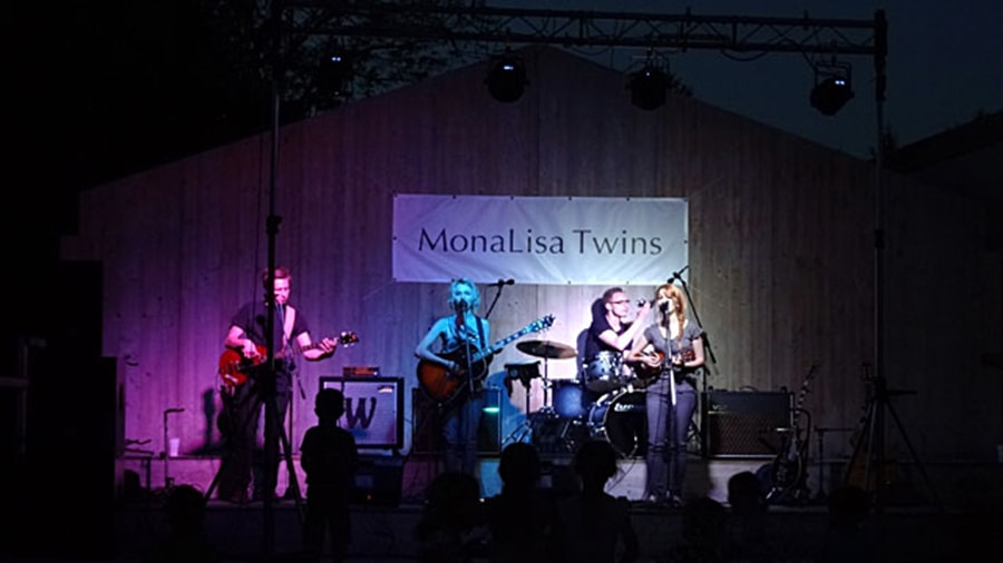 MonaLisa Twins on stage at the May Tree Fest Maibaumfest in Franzensdorf