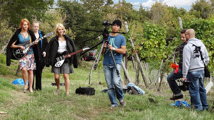 MonaLisa Twins filming Edge Becs