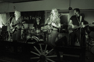 MonaLisa Twins on stage at the Shamrock Pub in Leopoldsdorf