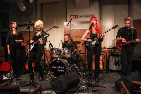 Radio Wien Clubkonzert Live on Stage with band