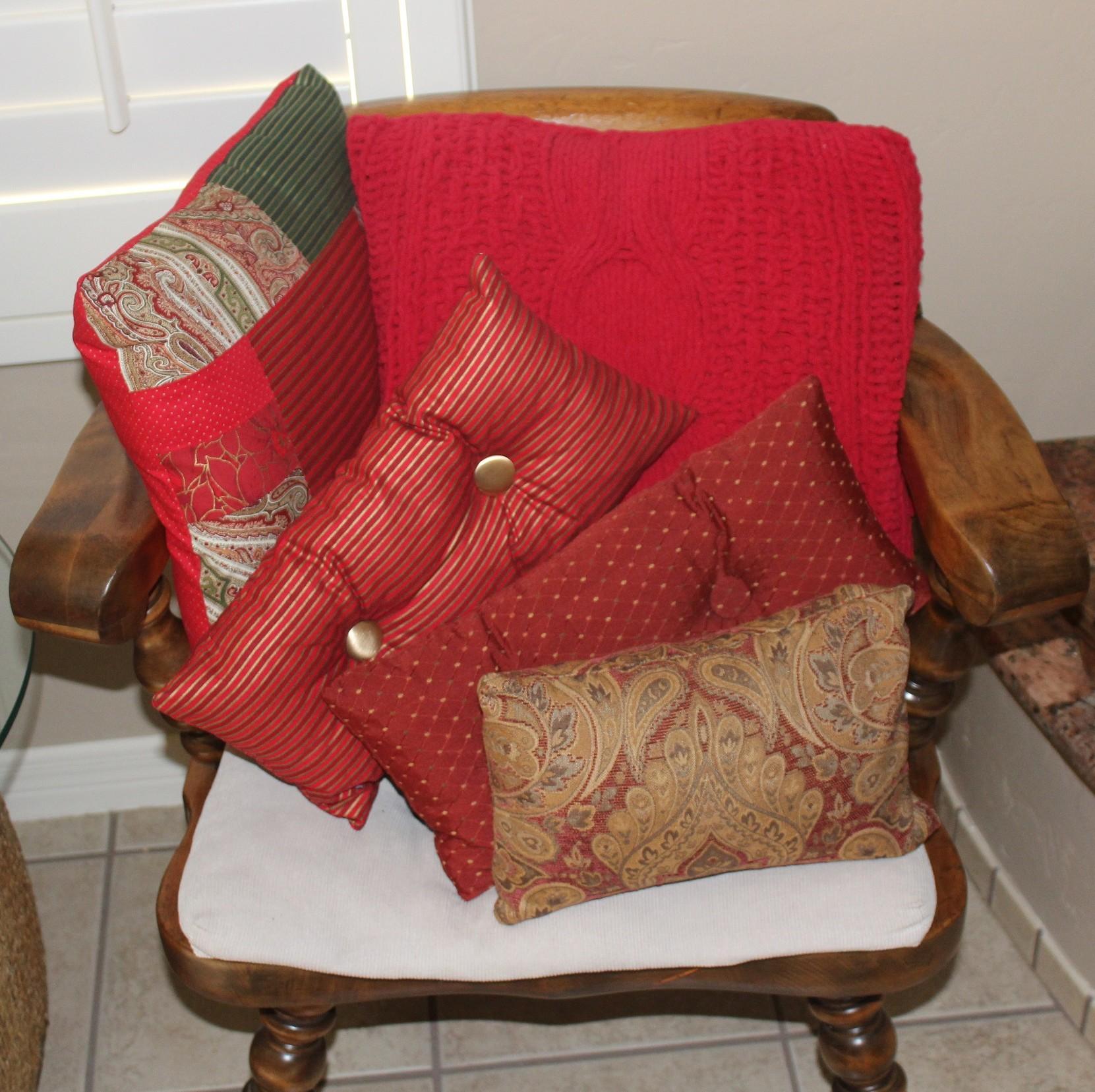 Judys_Christmas_Pillows.jpg